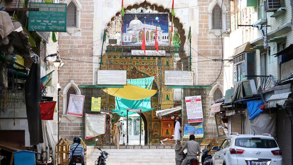 A view of deserted shrine of Sufi saint Khwaja Moinuddin Chishti during the holy month of Ramadan amid Covid-19 lockdown in Ajmer on Tuesday.