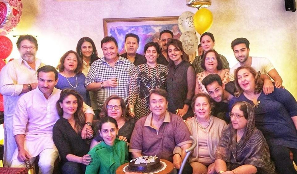 Karisma Kapoor shares family photo a day after Rishi Kapoor's death, emotional fans say 'We will miss you' – bollywood