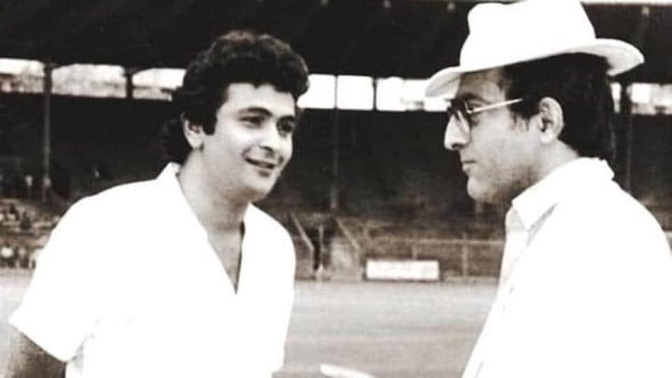 Rishi Kapoor and Mansoor Ali Khan Pataudi in a rare photo.