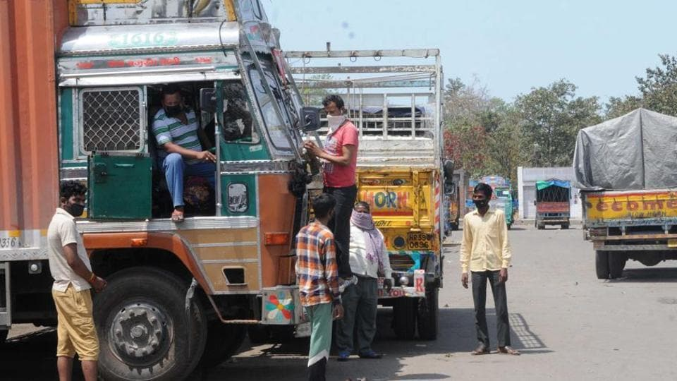 The Union home ministry on Thursday wrote to all states and Union territories directing them against stopping the movement of trucks and other goods carriers even if they are empty.  (Photo by Keshav Singh/Hindustan Times)