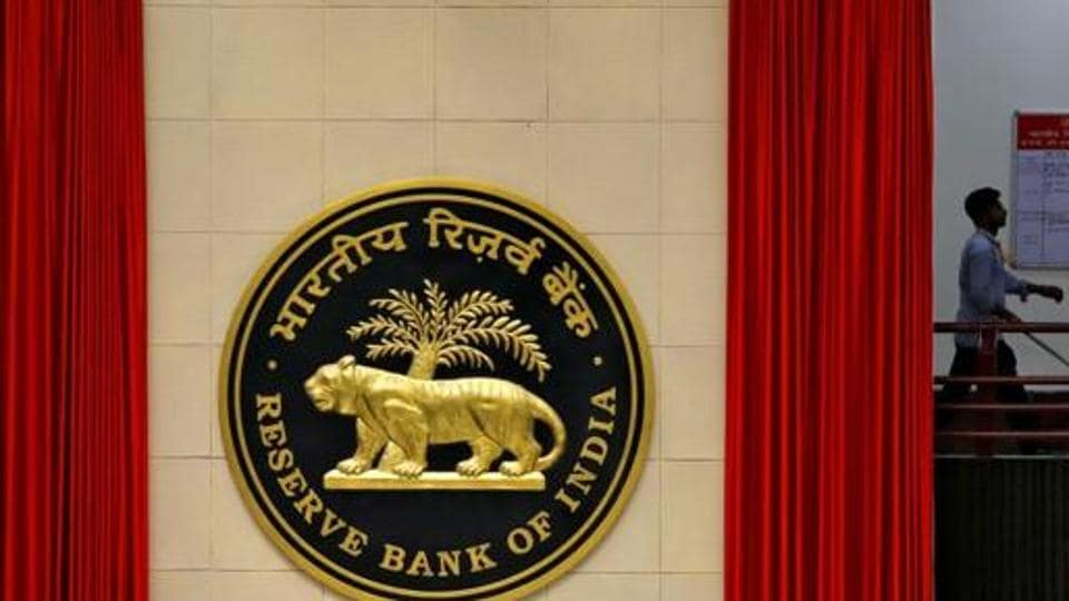 India's Forex reserves fall USD 113 million to USD 479.45 billion: Report thumbnail