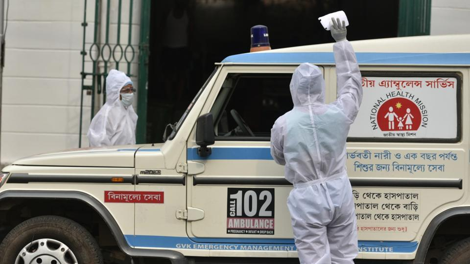 Kolkata, India - April 23: A medical worker in PPE seen at Ambulance Head Quarter Corporation of Kolkata, during lockdown – to curb the spread of coronavirus, at Central Avenue, in Kolkata, West Bengal, India, on Thursday, April 23, 2020. (Photo Samir Jana / Hindustan Times)