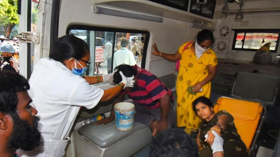 Visakhapatnam: Affected people being taken to a hospital for treatment after a major chemical gas leakage at LG Polymers industry in RR Venkatapuram village.