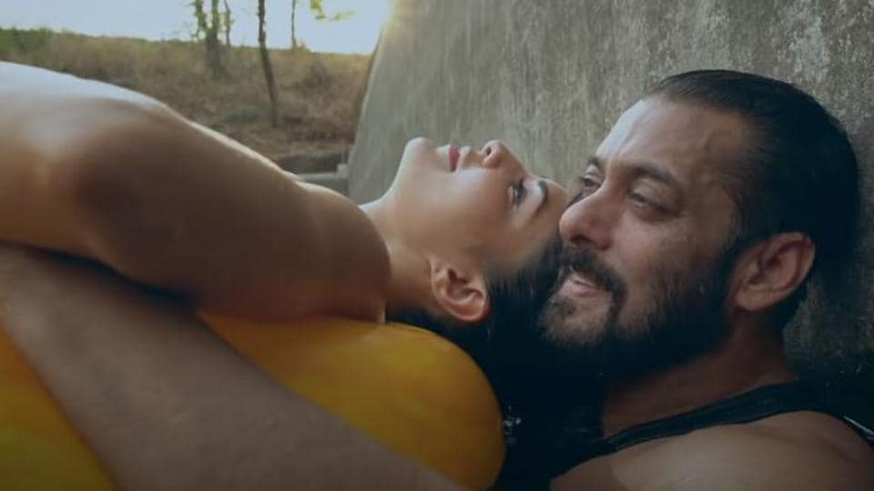 Salman Khan and Jacqueline Fernandez in a screengrab from the Tere Bina teaser.