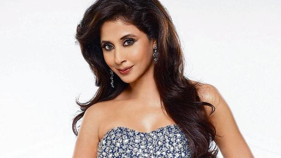 Actor Urmila Matondkar says those who've been complaining about lockdown, must take a moment to salute the women who've been at home and running their families.