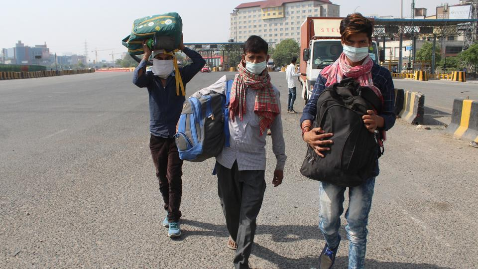 21-yr-old migrant headed to Odisha from Telangana, walks 300 km, dies of sunstroke