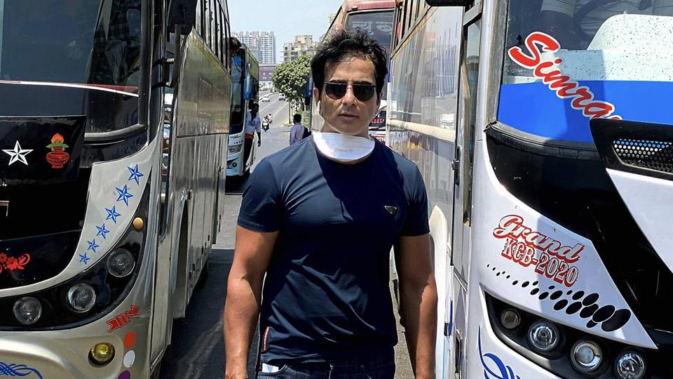 Bollywood actor Sonu Sood while sending off 350 migrant workers to their native places in Karnataka by buses, amid Covid-19 lockdown in Mumbai.
