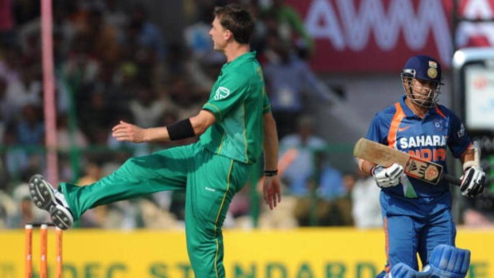 Dale Steyn reacts after bowling to Sachin Tendulkar during the Gwalior ODI in 2010