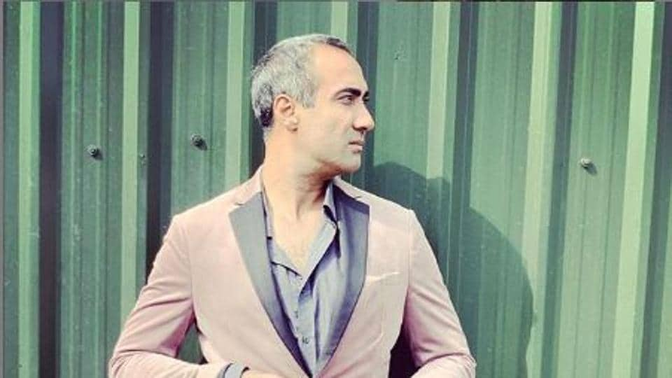Ranvir Shorey was talking his house help to the hospital but they were stopped by the police.