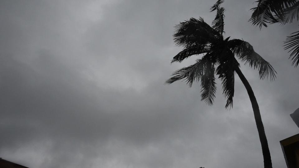 Kolkata, India - May 20: Cyclone Amphan hits Kolkata city with heavy rain and wind on Wednesday, May 20, 2020. (Photo by Samir Jana / Hindustan Times)
