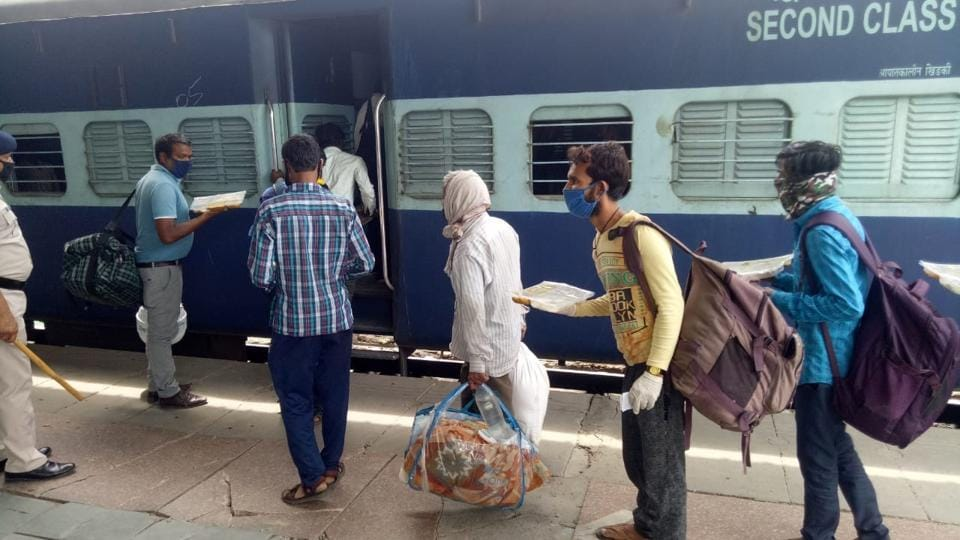 Migrant boarding a train to take them home from Ludhiana.