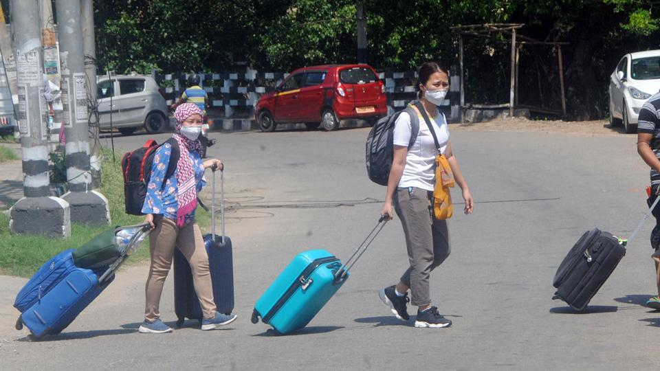 Assam: Manipur migrants leave from Guwahati for their native place during coronavirus lockdown.