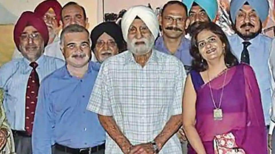 Gurdial Singh Jallanwalia (centre) had participated in four battles, including World War II. In 1939 and 1940, he fought a battle for British Army in Waziristan, now in Pakistan.