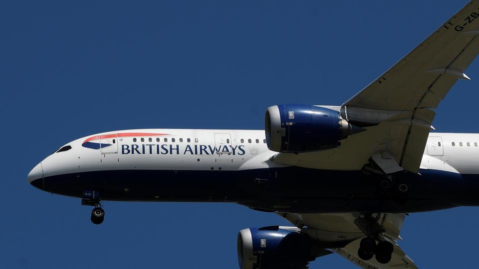 A British Airways passenger plane comes in to land at London Heathrow airport, following the outbreak of the coronavirus disease (COVID-19), London, Britain.
