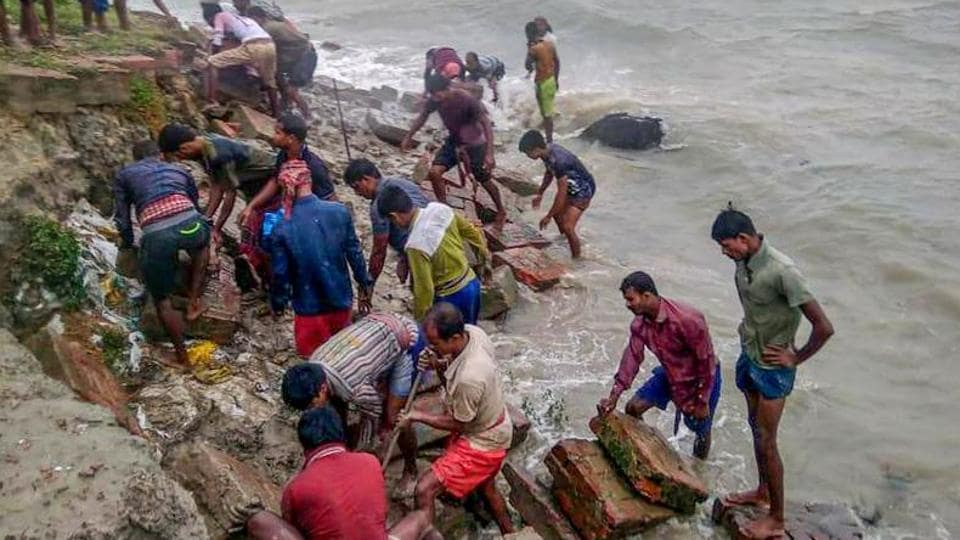 A visit to the cyclone-hit areas of the Sunderbans region in the districts of North 24-Parganas and South 24-Parganas revealed that area after area was inundated, with crops on the field ruined and fishes in the ponds dead.