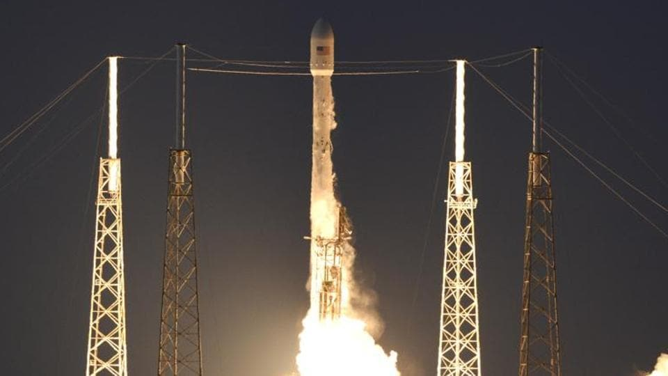 While NASA has discouraged people from mobbing Cape Canaveral because of the coronavirus pandemic, the agency is planning hours of programming around the #LaunchAmerica even