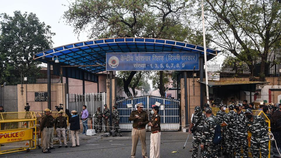 n assistant superintendent of Jail Number 7 of Tihar Jail tested positive for the virus on Saturday, prison officials said.