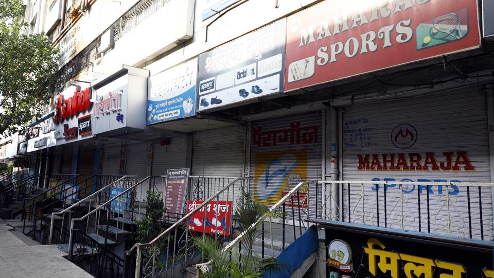 Despite relaxation of lockdown restrictions that allows non-essential shops to operate till 7pm, most shops at this Satara road market shutdown before the 7pm deadline.