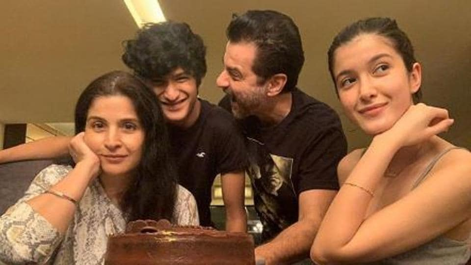 The Kapoor family all cut the cake and posed for pictures for Jahaan's birthday.