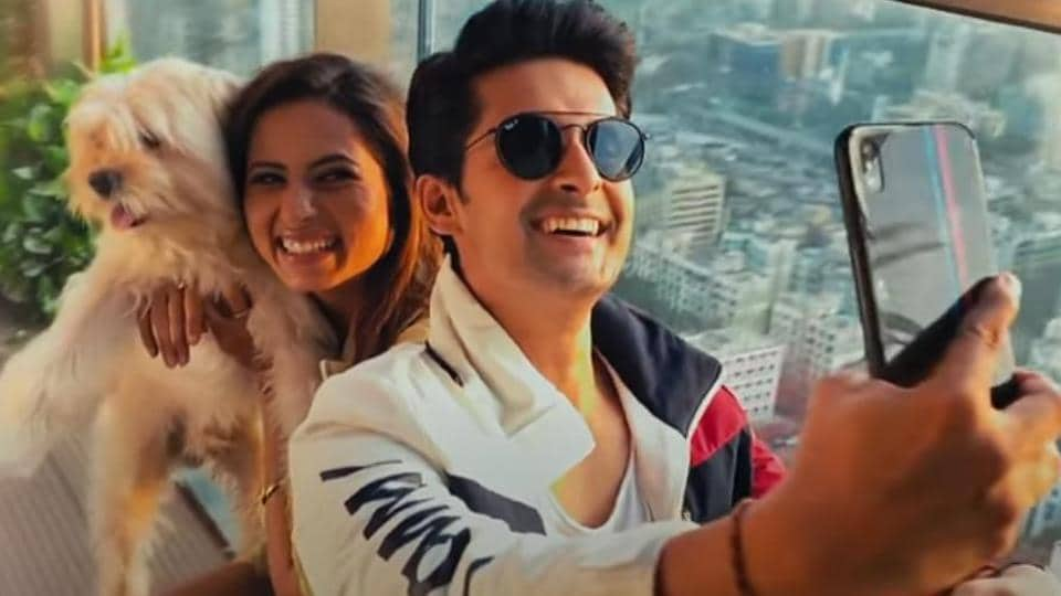 Ravi Dubey and Sargun Mehta in a still from Toxic.