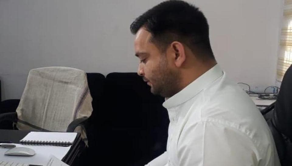 RJD leader Tejashwi Yadav criticised the Centre for the migrant exodus.