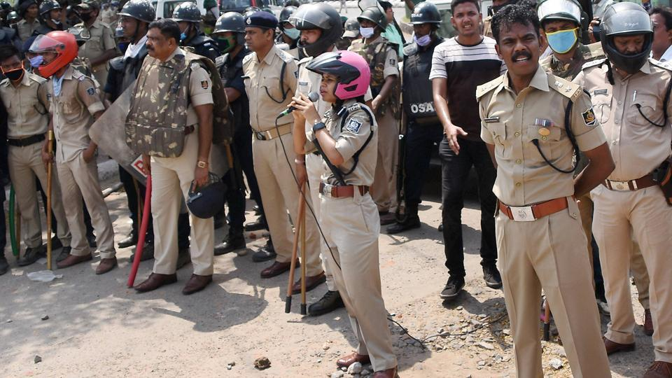 Residents in a containment zone in Odisha's Rourkela threw stones  at the policemen demanding lifting of the containment order from their locality.