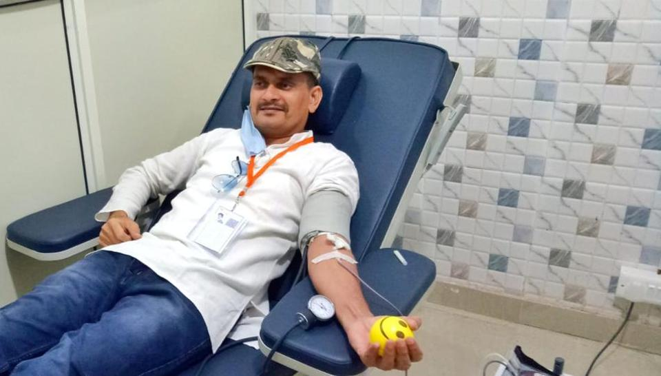 Abid Saifi, a social worker got this information through Sandeep Kumar, admin of Jai Hind Blood Group, a WhatsApp group that helps patients connect with donors.