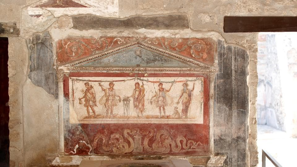 A fresco is pictured at the archaeological site of the ancient Roman city of Pompeii, as it reopens to the public with social distancing and hygiene rules, after months of closure due to an outbreak of the coronavirus disease (COVID-19), in Pompeii, Italy, May 26, 2020. REUTERS/Ciro De Luca (REUTERS)