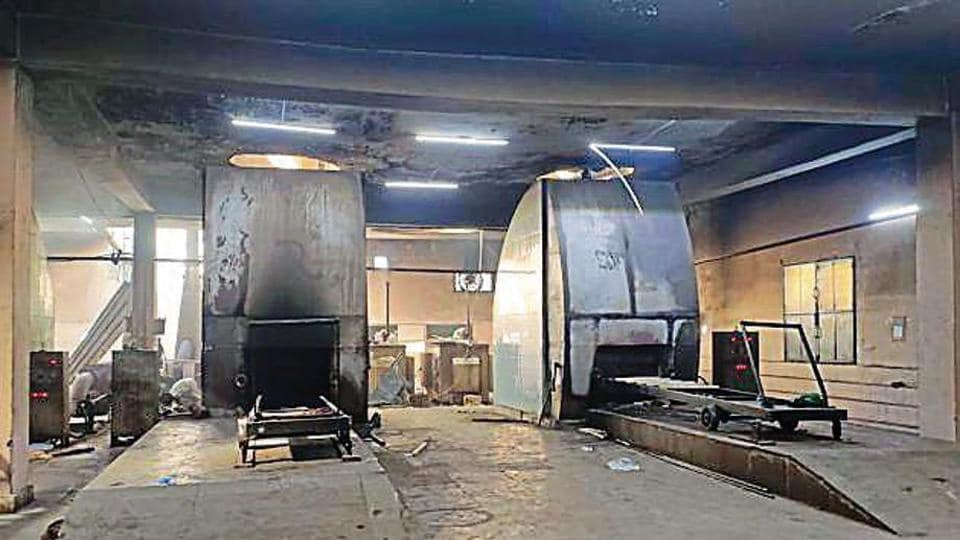 At Nigambodh Ghat, three of six CNG furnaces were working until Monday;  one of them (right) developed a snag that night.