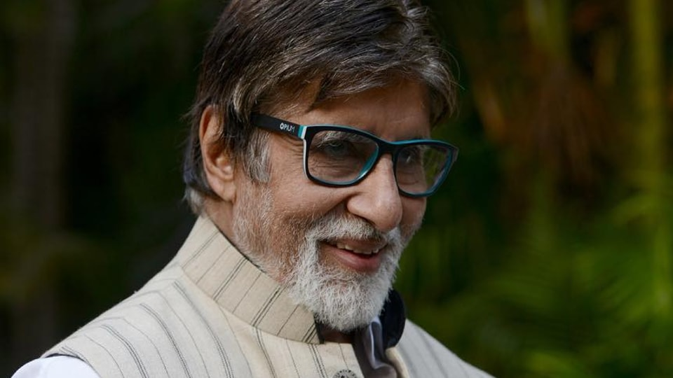 Amitabh Bachchan is doing his bit to help the stranded migrant workers in Mumbai.