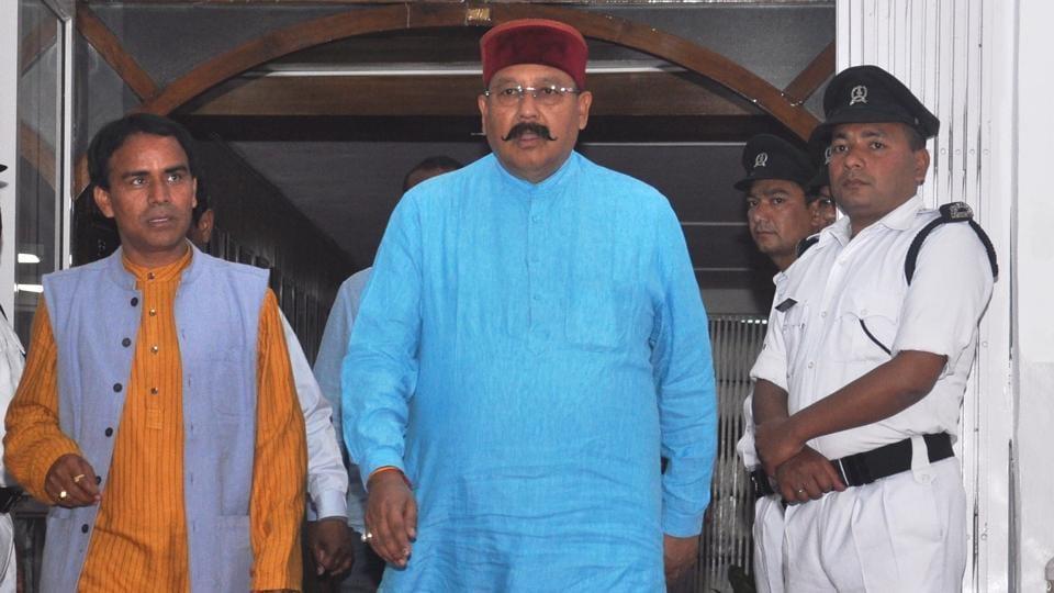 Uttarakhand tourism minsiter Satpal Maharaj (in blue kurta)