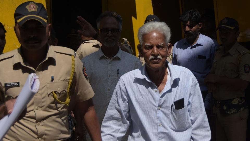 Varavara Rao escorted by Mumbai police as taken from the Arthur road jail to the session court for the court hearing, in Mumbai, on Friday 28 Feb, 2020.