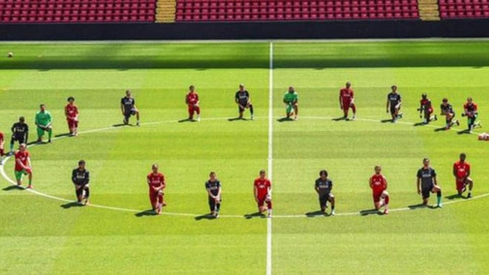 Liverpool stars take a knee to show support for Floyd