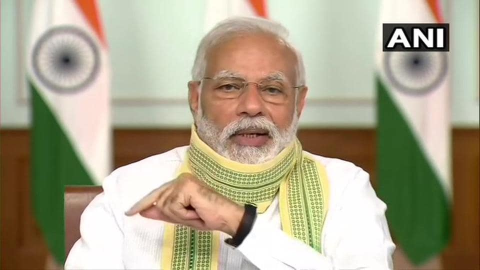Prime Minister NarendraModi has assured the governments of Maharashtra and Gujarat of Centre's help to deal with Cyclone Nisarga.