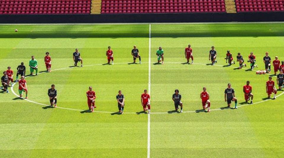 Liverpool bend knee in support of George Floyd.