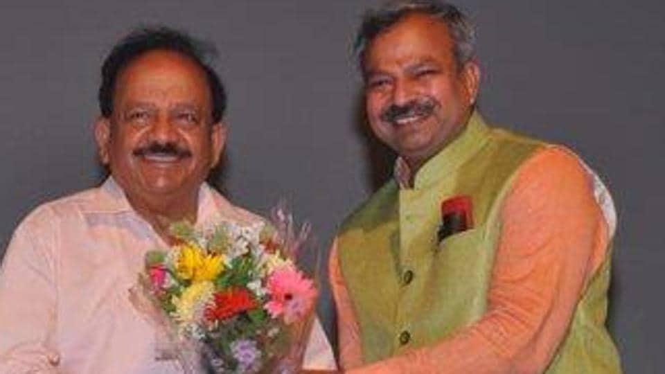 Adesh Kumar Gupta with Union health minister Harsh Vardhan. (Photo: @adeshguptabjp)