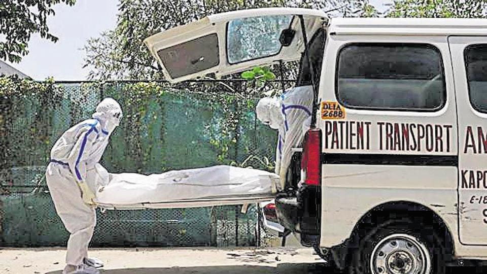 The number of new cases shot up again after a slight dip on Monday, when Delhi added 990 patients to its tally.
