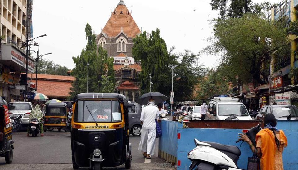 As lockdown rules have been relaxed in Pune, people ventured out of their homes. The Pune police have reduced the night curfew hours from 7pm-7am, to 9pm-5am in the city.