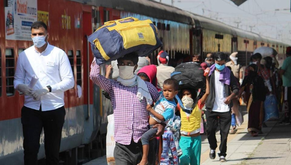 Deputy commissioner Girish Dayalan said under Mission Fateh, that relocation of all migrant workers desirous of going back to their native districts should be facilitated.