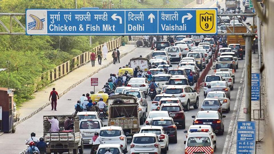 Snarls at Delhi's border with Uttar Pradesh near Ghazipur on Tuesday.