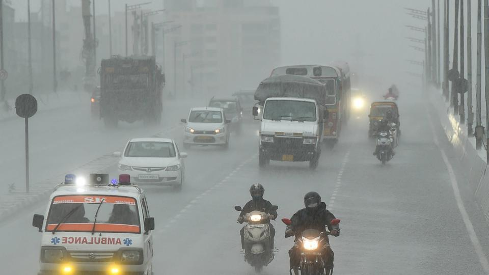 Mumbai recorded moderate showers of 24.8 mm and also passing showers on Thursday morning.