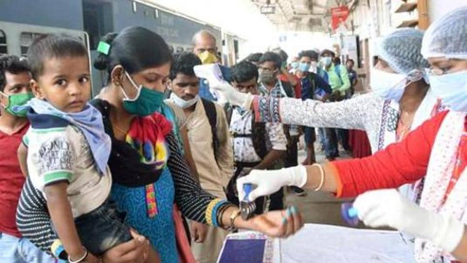 Mumbai, the worst hit city in India with 46,080 cases and 1,519 fatalities, saw 1,149 new infections and 54 deaths on Friday.( Photo Santosh Kumar/ Hindustan Times)
