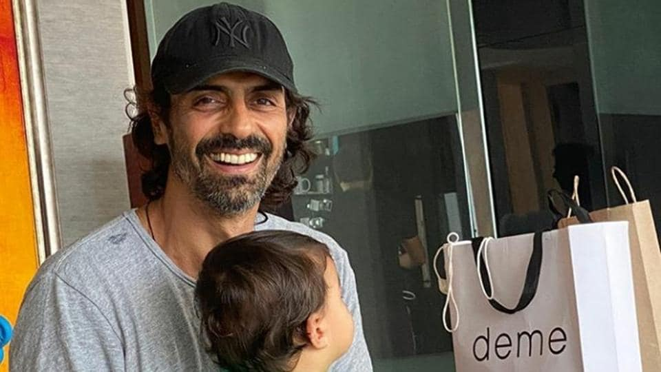 ArjunRampal shared a picture with his son Arik on Instagram.