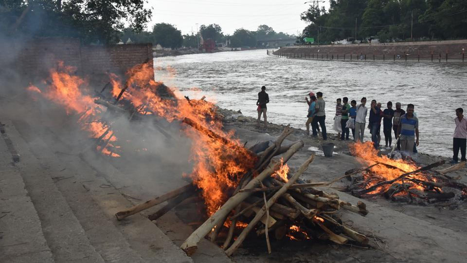 A traditional cremations on  a ghat of the Ganga in haridwar.