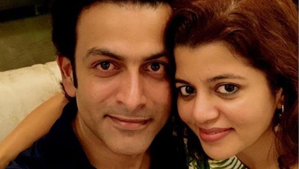 Prithviraj with wife Supriya.