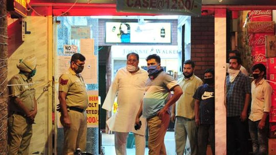 Four persons were injured on June 2 when two persons opened fire at  the liquor shop owned by Ram Avtar Batra, a resident of Sector 21, who also runs a petrol filling station at Sector 35, Chandigarh.