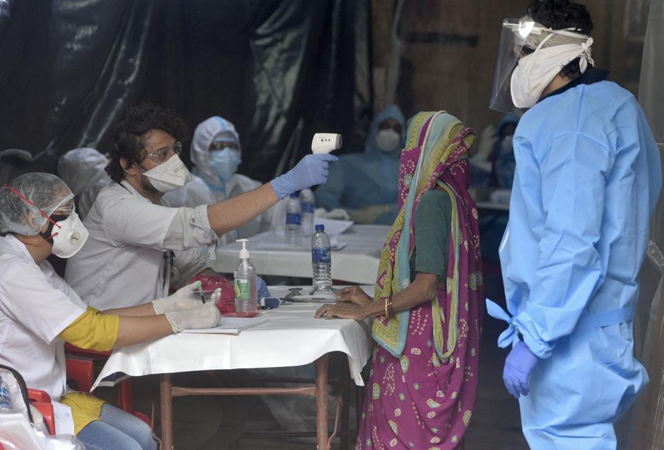 Goa government orders random testing at slums near Covid-19 hospital - Hindustan Times