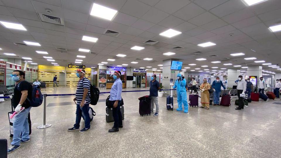 Jammu, Srinagar Airports receive 18 domestic flights with 2,403 passengers