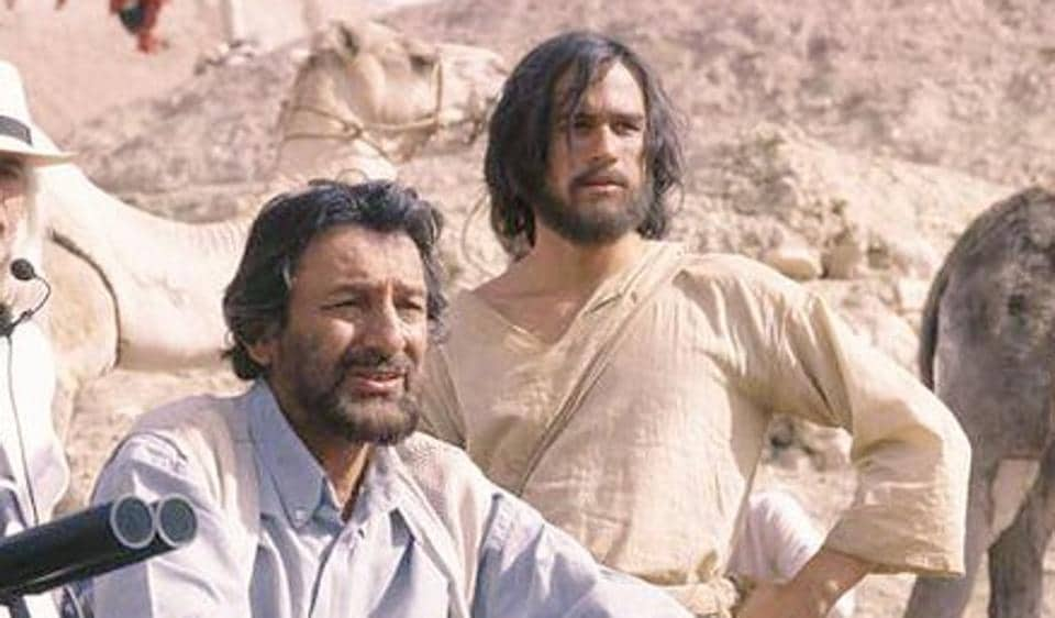 Shekhar Kapur and Heath Ledger shooting in Morocco.