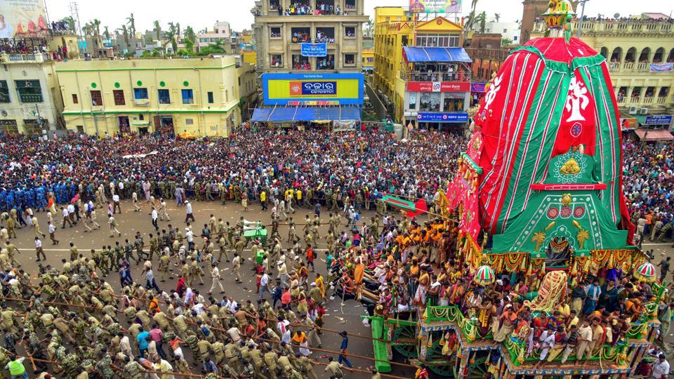 File photo of devotees pulling the chariots of Lord Jagannath, Balarama and Subhadra during Puri Rath Yatra in 2019.